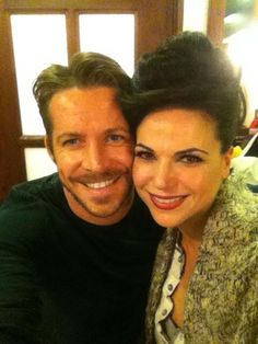 "Sean Maguire via Twitter: ""The queen & I hoodies outlawqueen onceuponatime pic.twitter.com/40IQCb1oPB"""