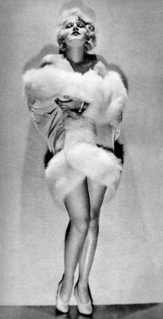 jean-1930s-portrait_entier-01-1