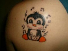 Penguin tattoo I want it! Time Tattoos, New Tattoos, Body Art Tattoos, Cool Tattoos, Tattoos For Daughters, Sister Tattoos, Daughter Tattoos, Pinguin Tattoo, Piercing