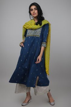 Silk Kurti Designs, Kurti Designs Party Wear, Salwar Kurta, Anarkali Dress, Ethnic Outfits, Indian Outfits, Indian Clothes, Indian Dresses, Facial Yoga