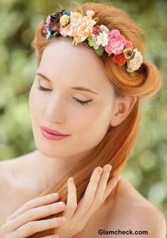 whether you are a lover of flowers in head or soft romantic curls, Valentine's Day is just perfect for trying out that hairstyle. Valentine's Day Hairstyles, Romantic Hairstyles, Flower Hairstyles, Romantic Curls, Hot Hair Styles, Flowers In Hair, Hair Trends, Latest Fashion, Hair Cuts