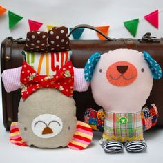 Sew these cute teddy bears from scrap fabric and bits of trim. Free pattern with step-by-step photos!