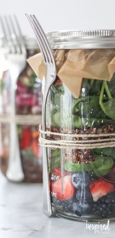 These Mason Jar Salad recipes / ideas are great. I love the tip for storing the dressing. Genius. No more soggy salad!