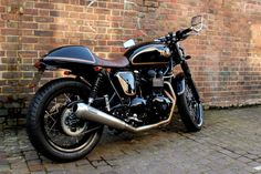 This is my dream bike right here! Triumph Thruxton Cafe Racer 'Black Prince'. Beautifully customised.