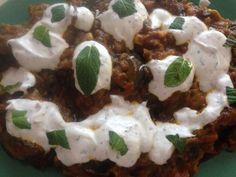 Borani Banjan. Receta afgana de guiso de berenjenas con yogur.