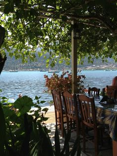 One of the many waterside tavernas that we visit