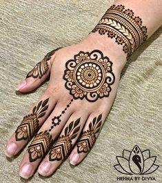 10 Easy Henna Designs for Beginners for Their Backhand and Feet! 10 Easy Henna Designs for Beginners for Their Backhand and Feet! All Mehndi Design, Pretty Henna Designs, Back Hand Mehndi Designs, Henna Designs Feet, Modern Mehndi Designs, Mehndi Design Images, Latest Mehndi Designs, Henna Tattoo Designs, Heena Design