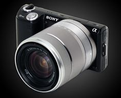 Probably looking at my next camera to be the Sony Looked at DSLR and DSLT but mirrorless is the future and Sony is hands down the best with this so far. Photography Reviews, Digital Photography, Photography Tips, Best Dslr, Cmos Sensor, Fujifilm Instax Mini, Camera Lens, Cameras, Sony