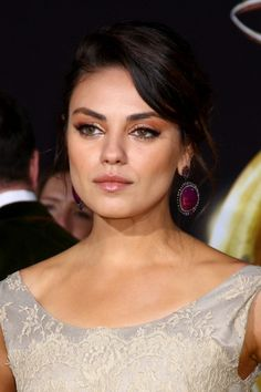 Mila Kunis at the 'Oz THe Great and Powerful!' World Premiere at the El Capitan Theater in Los Angeles, CA #beauty #makeup #celebrity