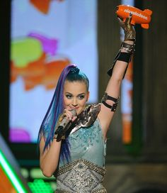 Katy Perry is presented with the Blimp for Favorite Voice from an Animated Movie at the Kids' Choice Awards in LA on Saturday