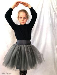 Ellie Skirt {All The Skirts: Violette Field Threads & Raspberry Creek Fabrics} - Skirt Fixation Girl Skirts, Raspberry, Tulle, Fabric, Pattern, Fashion, Tejido, Moda, Tela