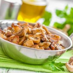 Restované šampiňóny na cesnaku Vegetable Recipes, Potato Salad, Stuffed Mushrooms, Potatoes, Beef, Chicken, Vegetables, Ethnic Recipes, Fit