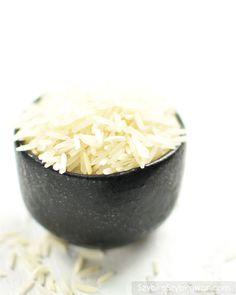 Ryż basmati długoziarnisty. Coconut Flakes, Grains, Spices, Food, Spice, Meals, Yemek, Eten