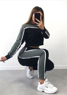59 Business Outfits To Copy Today Adorable Adorable Street Style Ideas from 59 Business Outfits collection is the most trending fashion outfit this winter. This Beautiful[. Teen Fashion Outfits, Sport Outfits, Girl Outfits, Hiking Outfits, Red Outfits, Cute Comfy Outfits, Stylish Outfits, Mode Adidas, Vetement Fashion