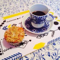 Bombotti Cross stitch -kutting board, Arabia coffee set (retro), Marimekko tablecloth (retro), photo Viivi Lehto