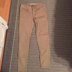 American eagle tan jeggings Brand new, never worn without tags! Very nice pair of jeggings, look good with so many outfits, great color. Price is negotiable! American Eagle Outfitters Pants Skinny