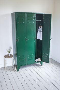 Groene drie deurs locker_2.jpg