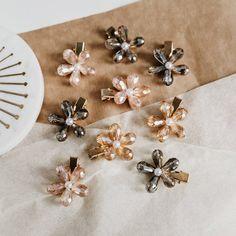 Flower Hair Clips, Flowers In Hair, Wedding Hair Clips, Mob Dresses, 90s Style, Floral Hair, Wedding Accessories, Hair Pins, Wedding Hairstyles