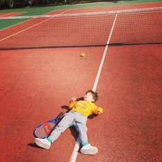 After a difficult tennis session #kids #tennis #familyactivity #outdoorfun #stayactive