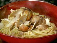 Linguine with White Clam Sauce Jamie Oliver
