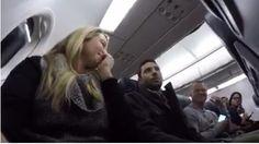 Pasajera anuncia embarazo a su marido a 3.500 pies de altura