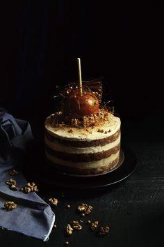St[v]ory z kuchyne   Apple-Walnut Cake with Caramel filling