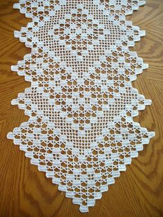 Handmade White Long Crochet Table Runner: Swedish ivy