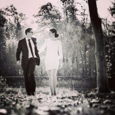 Brudeparret i skoven. #brud #bryllup #bride2be #bridezilla #brylluptips #bryllupsbilleder #bryllupsfotograf #bryllupsfotografer #wedding #weddingday #weddingpic #weddingideas #weddingstuff #weddingstyle #weddingtheme #weddinginspiration #weddingphotography #weddingphotographer