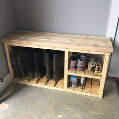 Wooden shoe rack with table top, and space for boots! Wooden shoe rack with table top, and space for boots! Woodworking Furniture, Pallet Furniture, Furniture Projects, Woodworking Plans, Wood Projects, Woodworking Projects, Furniture Storage, Woodworking Techniques, Rooms Furniture