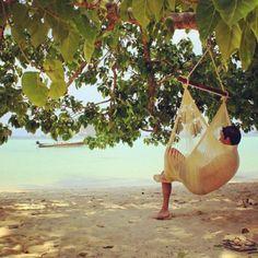 Big Sur Sitting Hammock >> looks lovely, I need a hammock!