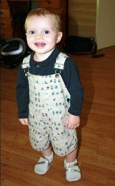 Proud parent: Chantal Location: Queensland, Australia Wearing: Cotton linen shortall in robots!
