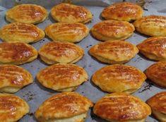 Mayasız Poğaça Tarifi - Canım Anne Griddle Pan, Pretzel Bites, Hamburger, Bread, Ethnic Recipes, Anne, Food, Education, House