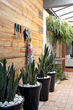 Are you currently facing a trouble of decorating your small backyard so that it will looks beautiful and comfortable? Here in this article we share some hacks for small backyard.
