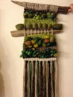 Love this weaving! Weaving Textiles, Weaving Art, Weaving Patterns, Tapestry Weaving, Loom Weaving, Hand Weaving, Weaving Wall Hanging, Wall Hangings, Peg Loom