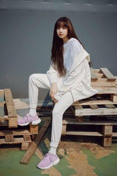 Oh my lisa Blackpink Lisa, Jennie Blackpink, Blackpink Fashion, Korean Fashion, Jenny Kim, J Pop, Dibujos Tumblr A Color, Lisa Blackpink Wallpaper, Kim Jisoo