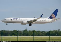 N39450 United Airlines Boeing 737-900ER