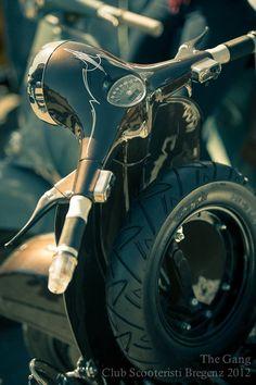 Vespa Roller-aus-Blech