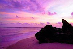 Can you see the map of Australia? An amazing sunrise captured on the Gove Peninsula in Arnhem Land via codeyleesimpson (instagram) #NTAustralia