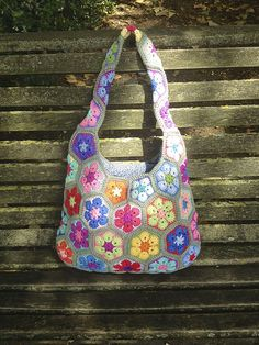 Beautiful use of color!  Ravelry: Talllulah31's African Flower Shoulder Bag