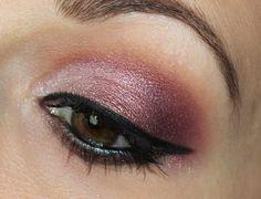 Aromaleigh Cosmetics Eyeshadows Bellissima & Odette http://www.talasia.de/2015/09/01/pigmentomania-49-aromaleigh-bellissima-odette/