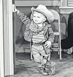the andy griffith show analysis The andy griffith show mentioned characters the andy griffith show dictionary characters andy taylor barney fife opie taylor helen crump gomer pyle.