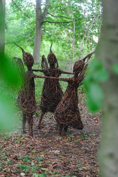 Portfolio - Emma Stothard - Sculptor | Willow Sculpture and Wire Sculpture | North Yorkshire, UK More