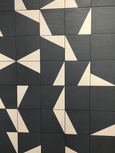 Geometric line art design quilts 47 ideas Modern Quilt Patterns, Floor Patterns, Tile Patterns, Textures Patterns, Pattern Ideas, Quilting Patterns, Line Art Design, Floor Design, Tile Design