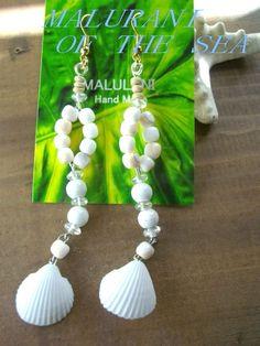 素材:海の貝 Beach madeサイズ:全体 たて10cmカラー:ホワイトミックスHawaiiでも人気のシェル素材、ハンドメイドアクセサリー白の二枚貝がとて...|ハンドメイド、手作り、手仕事品の通販・販売・購入ならCreema。