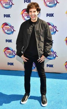 Teen Choice Awards 2019 Red Carpet Fashion: See the Stars' Looks David Dobrik, King David, Michelle Richard, Popular Youtubers, Adam Cohen, Teen Celebrities, Celebs, Candace Cameron Bure, Vlog Squad