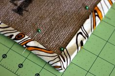 Learn how to sew with bias tape: How to start & finish, sew it on, and make a mitered corner. Everything you need to know about how to sew with bias tape. Sewing Binding, Quilt Binding, Bias Binding, Serger Sewing, Sewing Hacks, Sewing Crafts, Sewing Projects, Sewing Tips, Sewing Ideas