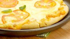 Receita – Pizza de Frigideira 2.0 (melhor Explicação) | MINHAS RECEITAS Pizza Rapida, Macaroni And Cheese, Pie, Ethnic Recipes, Desserts, Delicious Recipes, Yummy Recipes, Ham And Cheese, Tomato Sauce