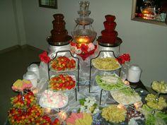 mesa con fuente de chocolate y chamoy - Buscar con Google