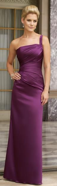 Bridesmaid Dresses & Gown Photos - Find the perfect bridesmaid dress pictures at WeddingWire. Browse through thousands of wedding photos of bridesmaid dresses and gowns. Beautiful Gowns, Beautiful Outfits, Bridesmaid Dresses, Prom Dresses, Wedding Bridesmaids, Bandage Dresses, Dresses 2013, Bride Dresses, Wedding Wear