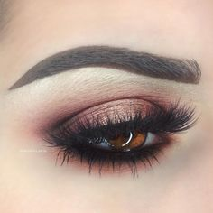 """""""Rose Gold @makeupgeekcosmetics Bitten, Peach Smoothie, Cocoa Bear, Corrupt, and Grandstand (Foiled) @nyxcosmetics """"Black Bean"""" Jumbo Eye Pencil…"""""""